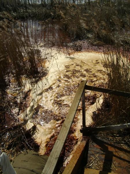Сброс загрязненной воды в Чусовую